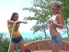 Faye Reagan & Hailey Young et lascive - 720p