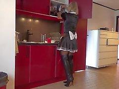 kalça in boots maid bir hanımevladı olduğunu