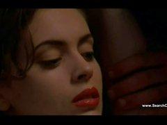 Alyssa Milano nudité - Poison Ivy de 2