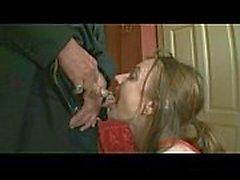 Chien-fille-esclave pisse-formation-pissé sur-bouche