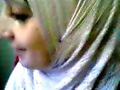 Peitos menina hijab arab piscar