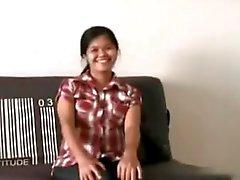 Preggo Philippinerin will zeigen, und zu spielen haarige Muschi