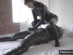 latex pornstar chaud avec éjac