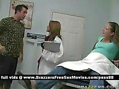 Genç hamile sürtükdoktora gider