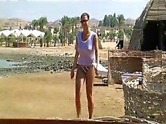 Илзе на пляже ( эпизод 1 среди два )