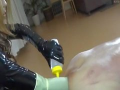 Asian Domme Elbow profunda Fisting