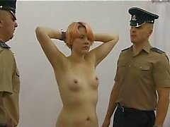 İngiltere Delinquents Stripsearched