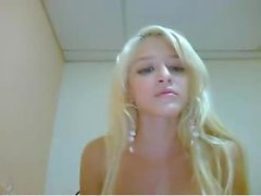 britney spears lookalike plays on cam - lickmycams,com