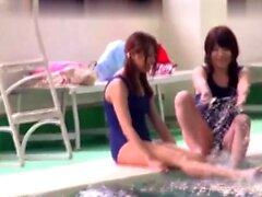 Groß Meise Pool Party Orgie