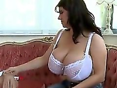 Von Milf -meet - pantyhosed BOOBS