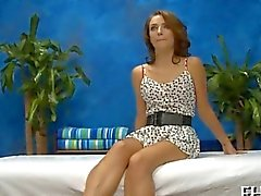 Petite teen formidable porked de un salon de massages