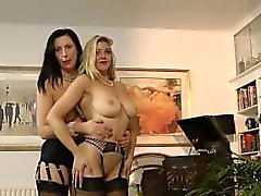 Mature lesbo anal fucked