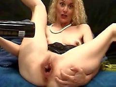 BOTTLE OF WINE PUSSY MILF INSERTION (WheelSex)