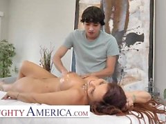 Naughty America - Syren De Mer Gives It To Her New Masseuse