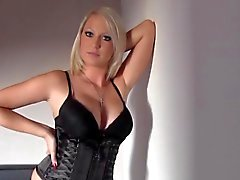Blondie Amateure crempie