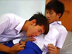 After School Sex ja rentoutumista Asian Boys