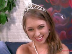 'Ein weiteres Beispiel Warum Riley Reid Might Be The Greatest Ever! Big Swallow & Big Facial für diese B.j. Prinzessin