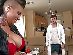 Massive le tette slut di Christy di Mack analizzato