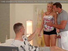 DDFNetwork - Vicktoria Redd Offers 3some