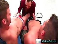 Kirk in sommige hete gay treesome gay sex en porno neuken part4