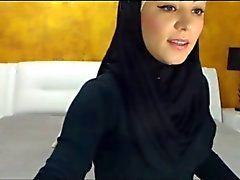 fake arabian masturbate on webcam
