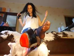 Hot Brunette Sukkahousut Under Jeans Nylon Domination